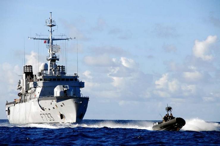 Mission de lutte contre le narcotrafic au large des Antilles.  L'équipage de la Frégate Anti-Aérienne Ventôse F 733 au quotidien au cours de la mission. Crédit photo : Marine nationale.