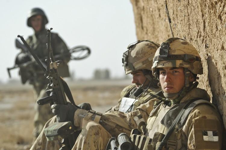 Soldats canadiens à Badula Qulp, dans la province de Helmand, le 17 fev 2010. (Crédit :  Tech. Sgt Efren Lopez)