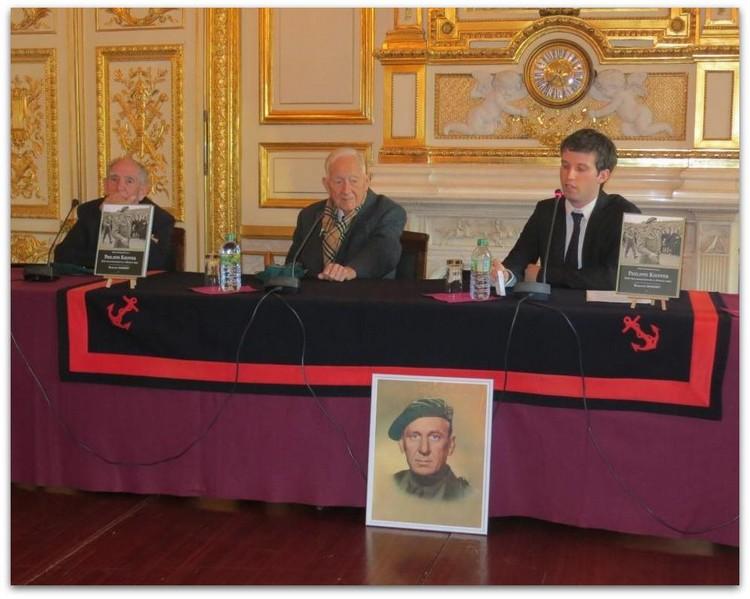 De gauche à droite :  Léon Gautier (91 ans), Hubert Faure (99 ans) et Benjamin Massieu lors de la présentation du livre à l'Hôtel de la Marine, le 15 octobre 2013. Crédit photo : Stéphane Gaudin
