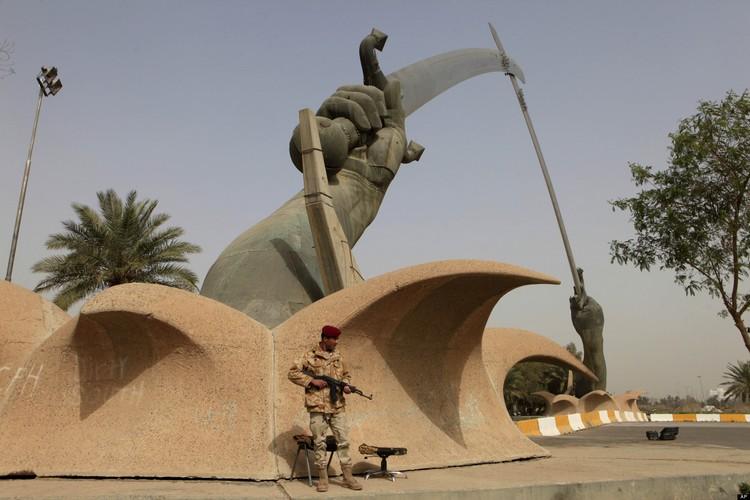 Mideast Iraq Saddams Specter